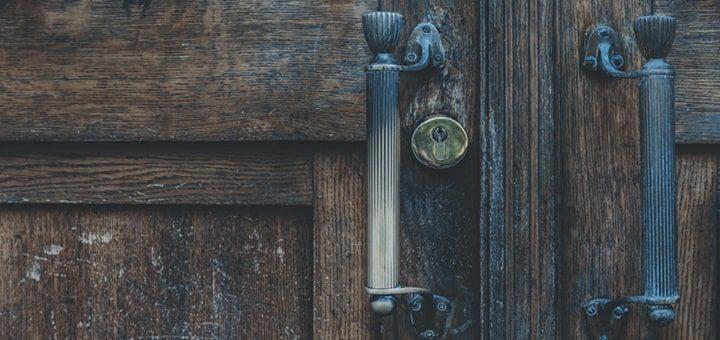 Closing Creacky Wooden Door Sound Effect