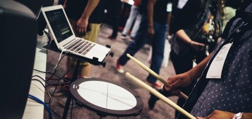 Electronic Drum Beat Sound Effect